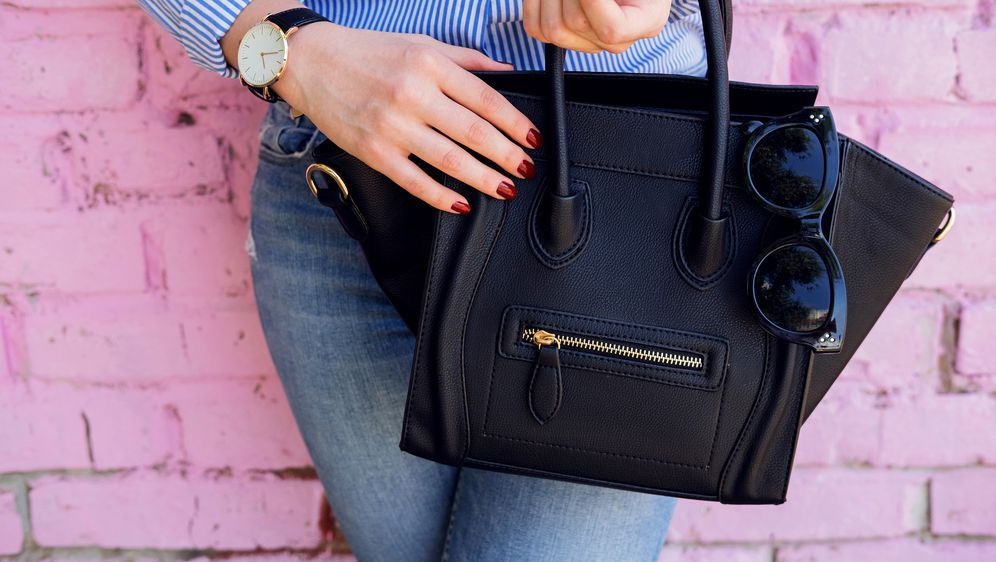 Crna torba klasika je s kojom se ne može pogriješiti