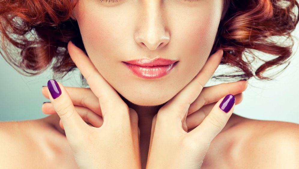 Jesenski trendovi u make-upu donose nam svjetlucave ruževe u rose gold nijansi