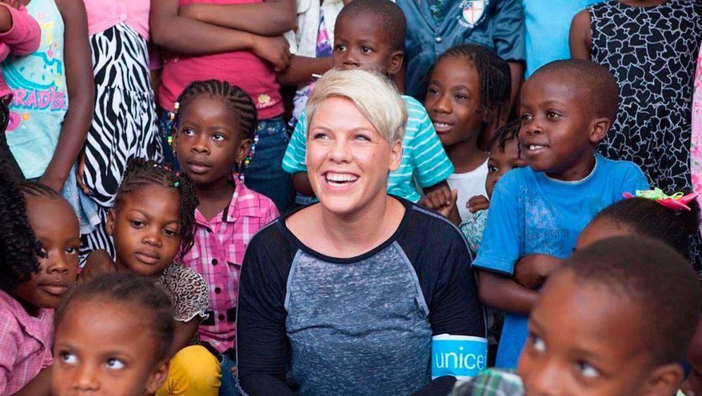 Pjevačica je poznata i po svom humanitarnom radu i aktivizmu
