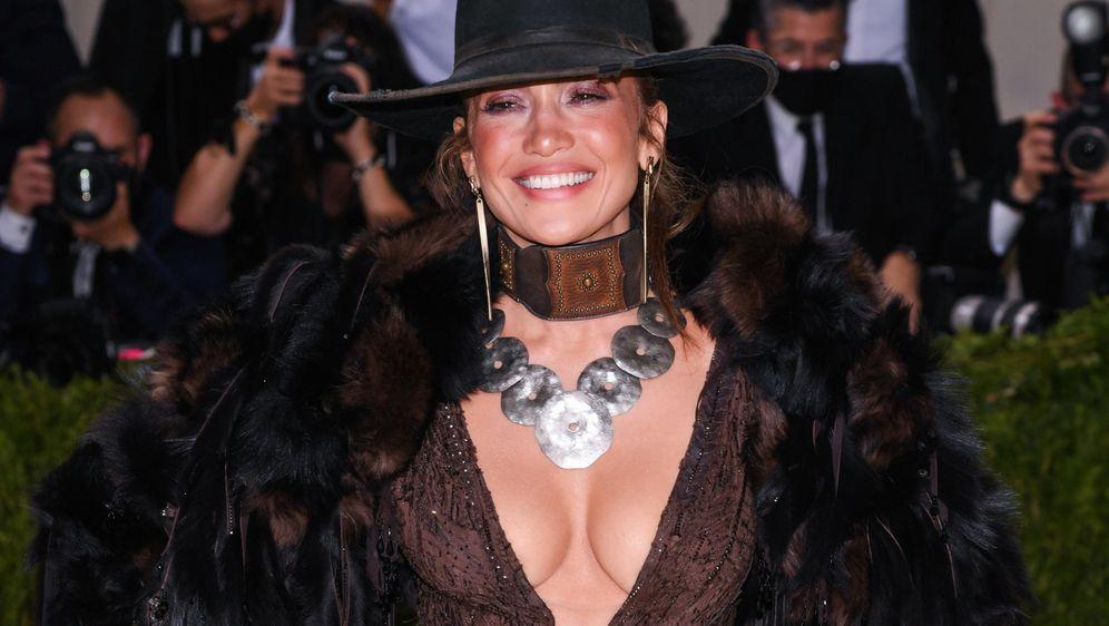 Jennifer Lopez u haljini Ralpha Laurena na Met Gali