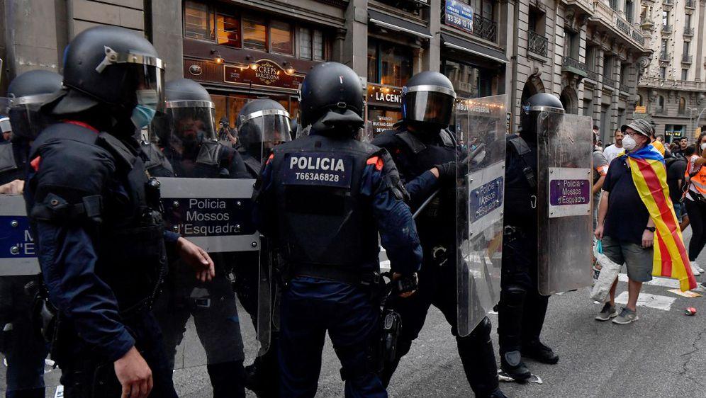 Španjolska policija, ilustracija